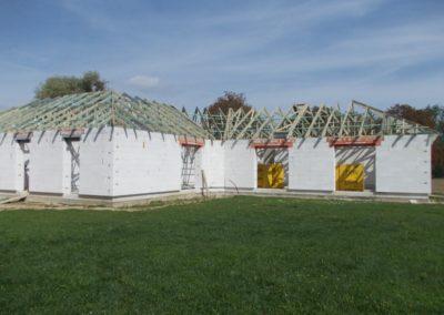 Atypická valbová střecha rekreačního domu v Jihlavě
