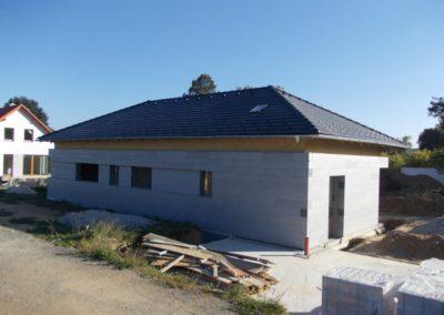 Valbová střecha pasivního domu v Jiřicích u Humpolce