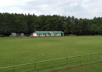 Zastřešení fotbalových kabin v Radešínské Svratce